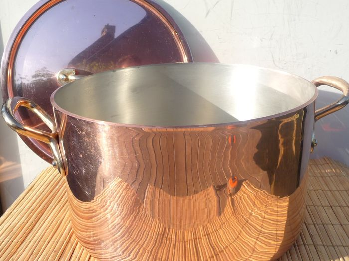Heavy and thick professional restaurant pan with lid 2454 g diagonal 20.5 cm (1) - Copper