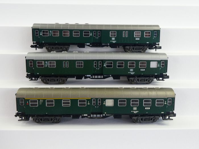 "Fleischmann N - 8129 - Passenger carriage - Set 3x ""Umbauwagen"" green - DB"