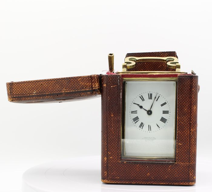 "Couaillet carriage watch, ""Doucine"" style - Golden Brass and Glass - Late 19th century, early 20th century"