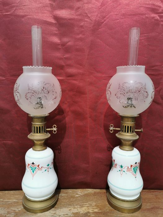 Beautiful pair of oil lamps - Hand painted ceramic and bronze - Second half 19th century