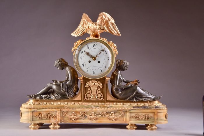 "Beautiful large. neoclassical clock ""La Liseuse"" - Gilt bronze, Marble, Patinated bronze - Mid 19th century"