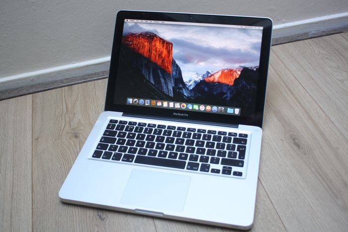 Apple MacBook Pro 13 inch (Mid 2012) - Intel Core i5 (3rd gen) 2.5Ghz, 8GB DDR3 RAM, 120GB SSD - with new charger