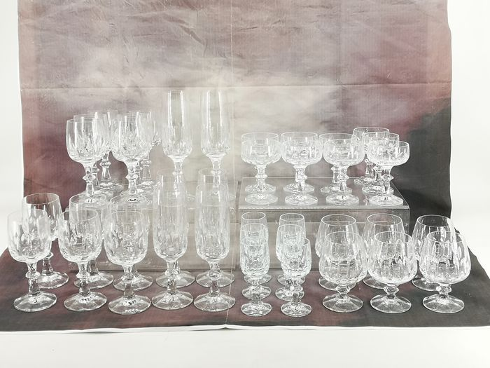 Wine glasses, Cognac glasses, shot glasses, champagne glasses, liqueur bowls (39) - Real lead crystal 24% PbO