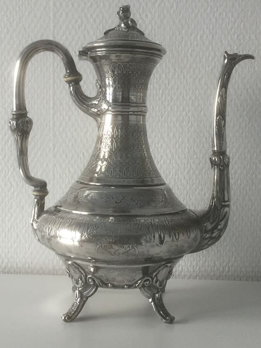 Teapot, Teapot with high finely chiseled silver collar (1) - Silver - Debain et Flamant - France - Late 19th century
