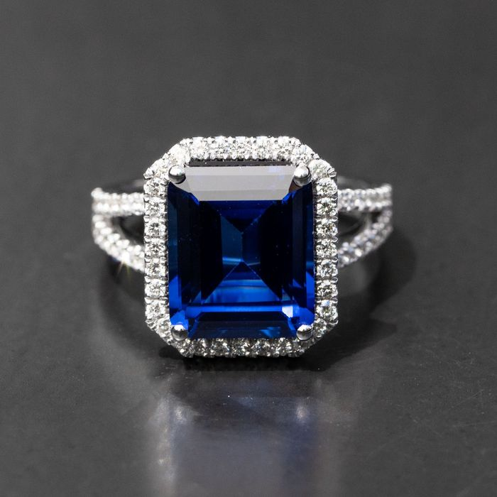 ***No Reserve Price***Halo Sapphire Diamond Ring - 14 kt. White gold - Ring - 8.06 ct Sapphire - 0.71ct Diamonds  D-F/VVS