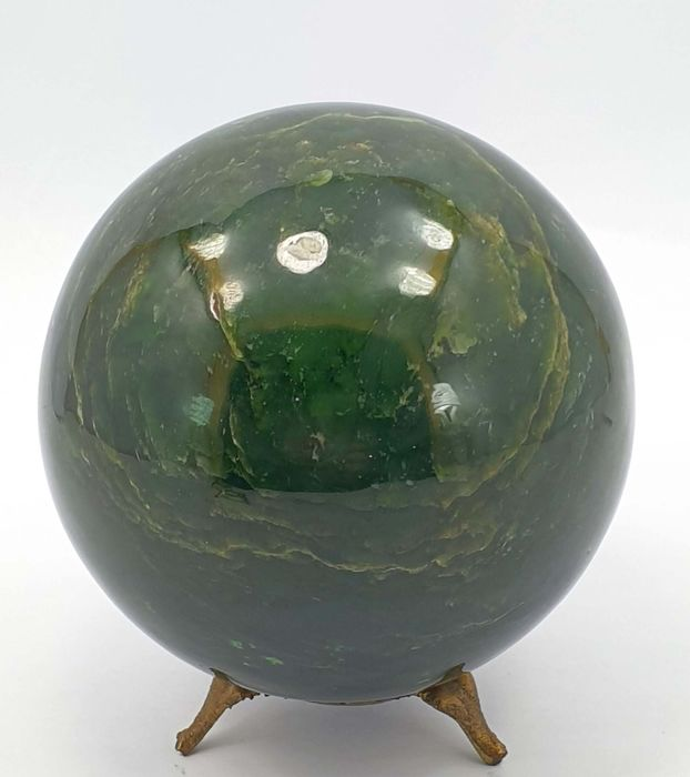 AAA Grade High Quality Nephrite Healing Sphere - 95×95×95 mm - 1574 g