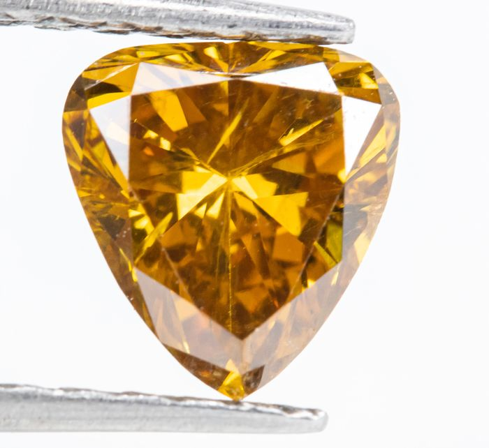 Diamond - 1.01 ct - Natural Fancy Vivid Orangy Yellow - SI2