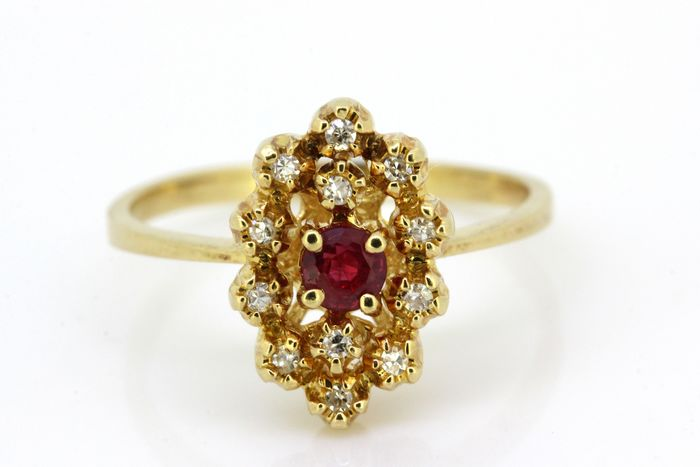 18 kt. Yellow gold - Ring Ruby - Diamonds