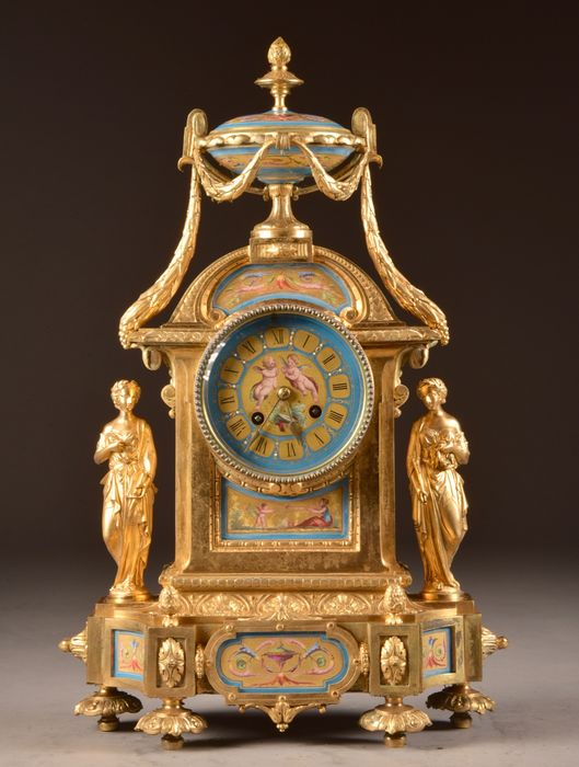 Imposing Clock with 2 figures and beautiful porcelain - Bronze (gilt/silvered/patinated/cold painted), Porcelain - Second half 19th century