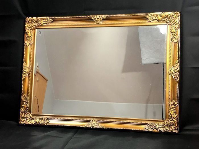 Beautiful massive baroque mirror with gold frame - Wood