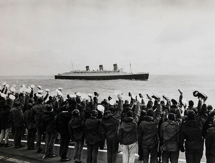 CentralPressPhotosLtd. - The last voyage of the Queen Mary, 1967
