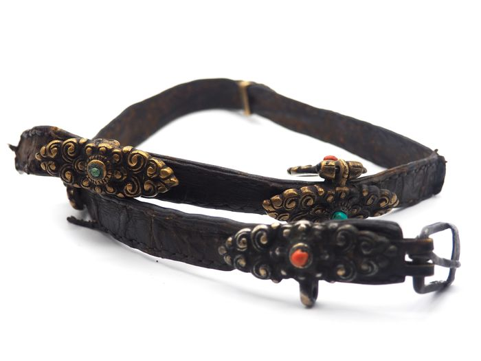 Old traditional worked belt - Bronze, Coral, Leather, Turquoise - Tibet - 19th century