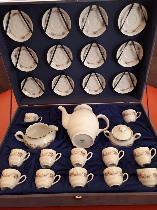 29-piece tea set, MZ Carlsbad porcelain Bohemian, excellent condition