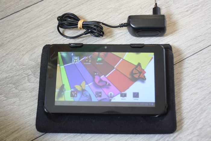 Empire Electronics Vintage Android tablet - model K701 - With original protective cover & power supply - Dualcore 1.6Ghz CPU, 1GB RAM, 1024x600 screen
