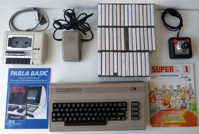 Commodore - Personal Computer Commodore 64 Brown year 1980 rare version + 43 Games / Programs and Manuals
