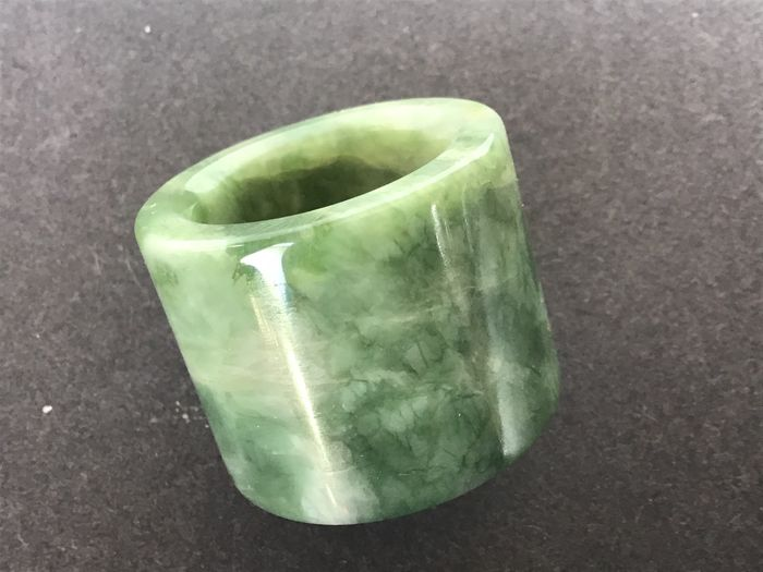 Archer's ring - Saussurite - China - Late 20th century