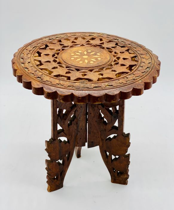Tea table - Bone, Wood
