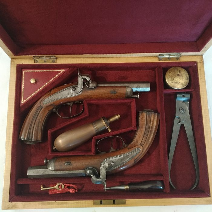 France - CHEVALIER - TRAVELLING - travelling - Percussion - PAIR OF PISTOLS IN CASE - 13