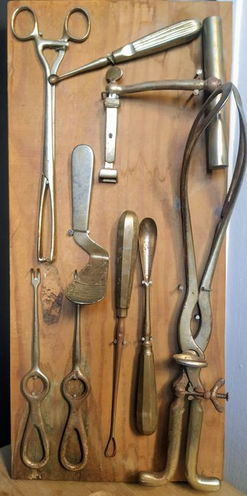 Surgical instruments for deliveries (9) - Steel