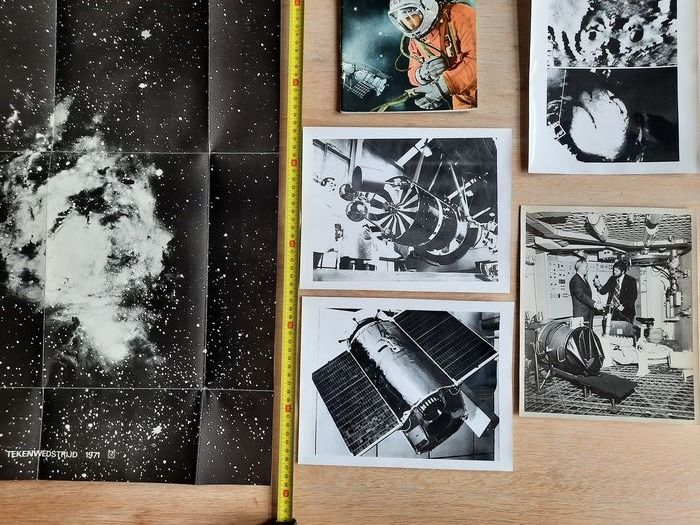 USSR-Soviet Space Research (propaganda book) and four Sputnik black and white photos - Paper