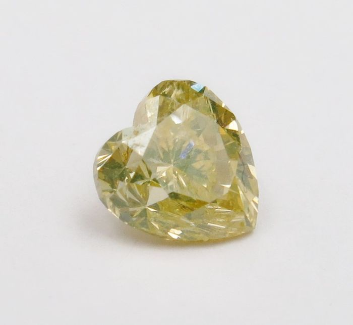 1 pcs Diamond - 0.55 ct - Heart - fancy brownish greenish yellow - Not mentioned on certificate
