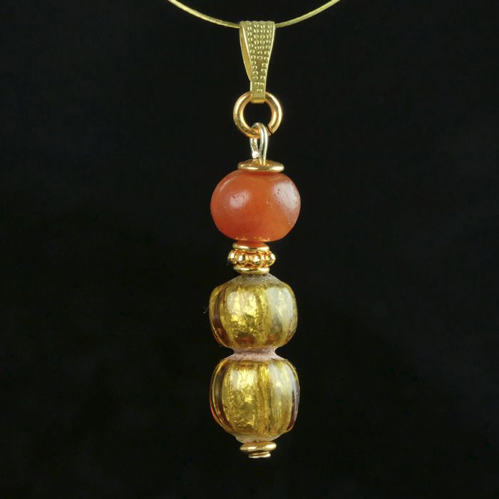 Ancient Roman Glass Pendant with double gold foil glass and carnelian beads - (1)