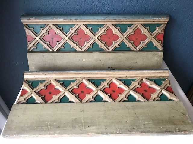 Polychrome painted and carved panels (2) - Gothic Style - Wood - Second half 19th century