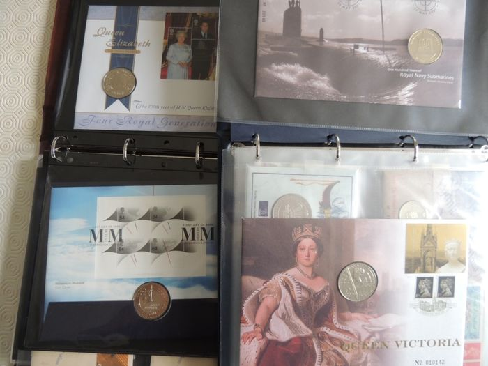 Großbritannien - Modern collection of Numismatic covers including £112 of coins in 2 binders.