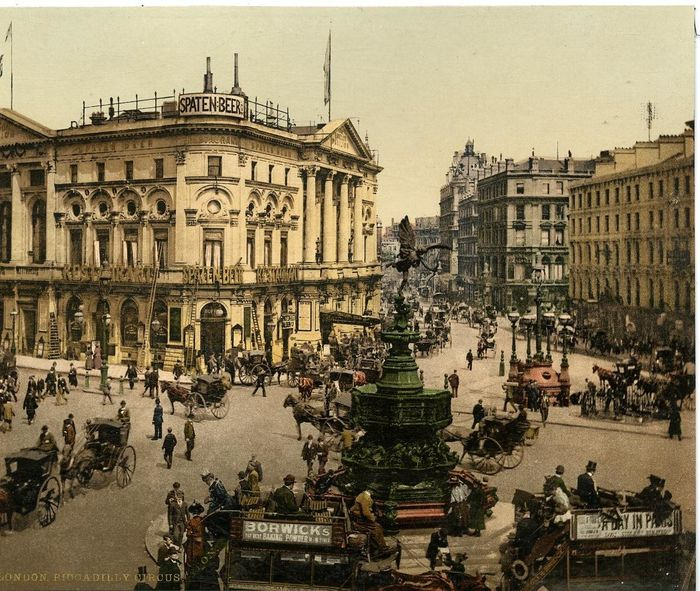 Anonyme - Angleterre, Piccadilly Circus