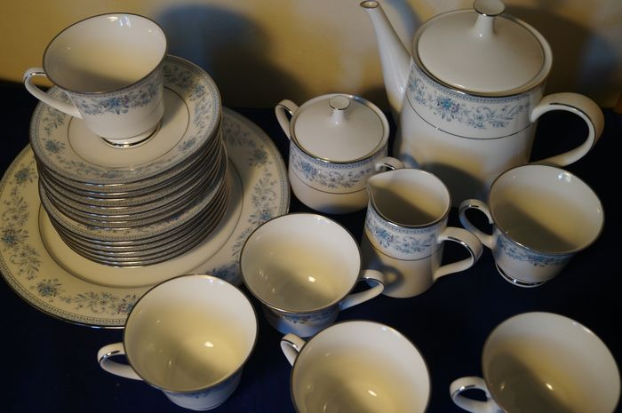 Noritake Blue Hill patroon porselein 23 delig theeservies