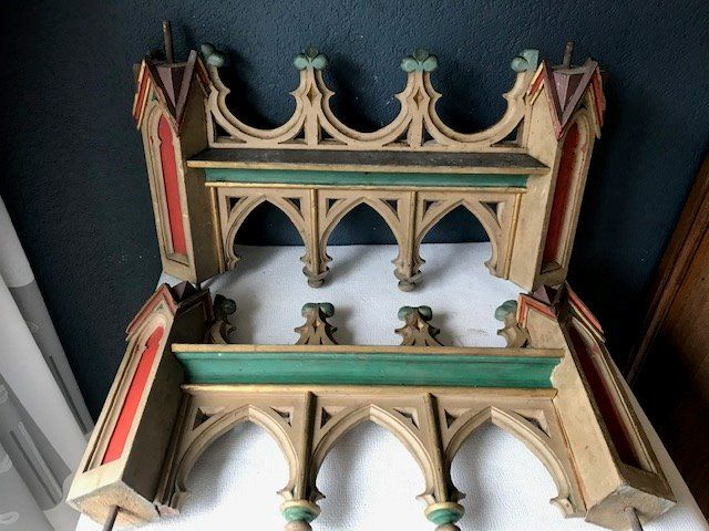 Neo-Gothic wood carvings (2) - Gothic Style - Wood - Second half 19th century