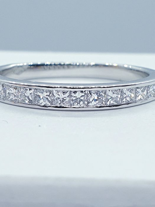 18 kt. White gold - Ring - 0.60 ct Diamond