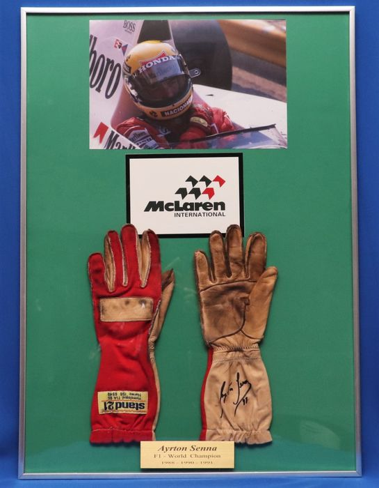 McLaren F1 team - Formula One - Ayrton Senna - 1988 - Nomex gloves