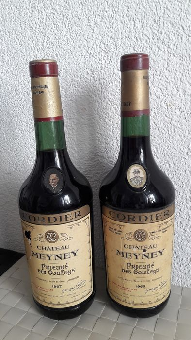 1966 Chateau Meyney Prieure des Couleys (1) 1967 Chateau Meyney Prieure des Couleys (1) - Saint-Estèphe - 2 Flessen (0.75 liter)