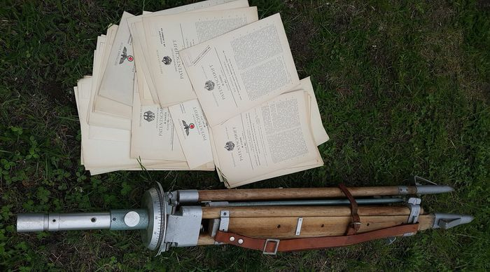 wooden and metal tripod and 52 old patent documents stativ