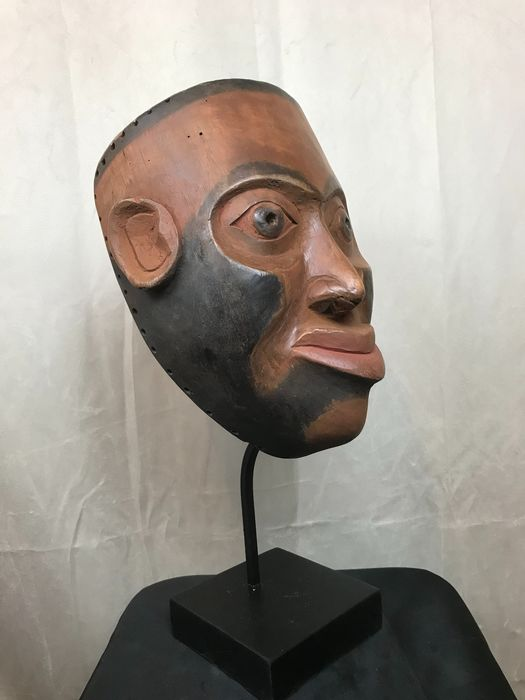 Mask - Wood and pigments - in Haida style