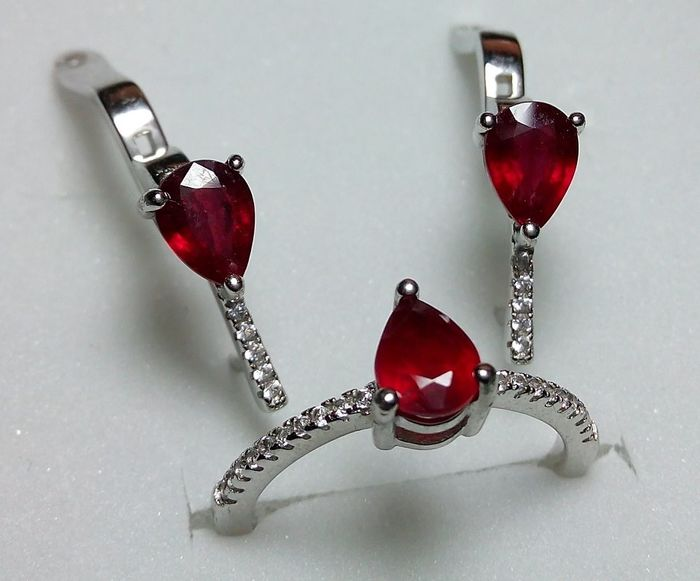 Natural Red Ruby Silver 925 - Earrings and Ring - 28.30 cts - 5.66 g