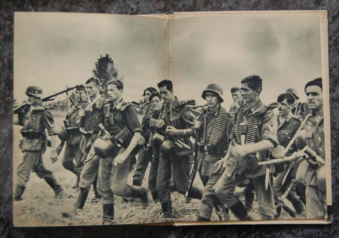 Germany - Soldier face in battle - Book, Wehrmacht soldiers army infantry, only photos battles portraits - 1943
