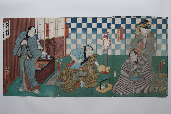Original Triptychon mit Holzschnitt - Papier - Utagawa Kunisada (1786-1865) - Actors as Hatsuemon of the Tanbaya, Yajiemon and Umegawa of the Tsuchiya, and Chubei of the Kameya - Japan - 1854 (Ansei 1)