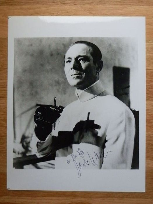 James Bond - Dr. No - Joseph Wiseman (+) as the villain in the title - Autograph, Photogrph, Signed in person.