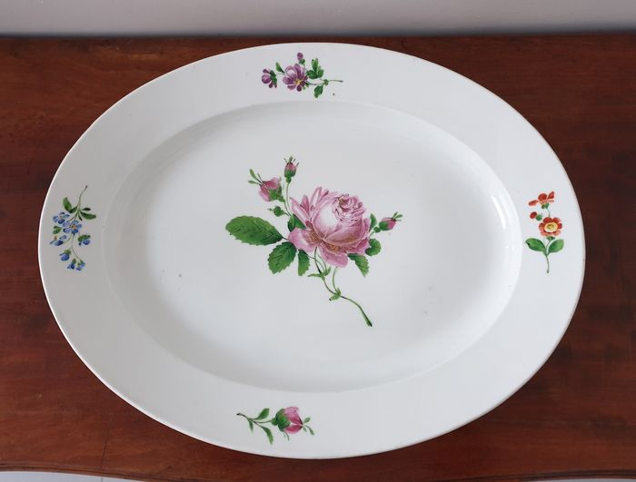 Meissen - very large hollow oval dish - Porcelain