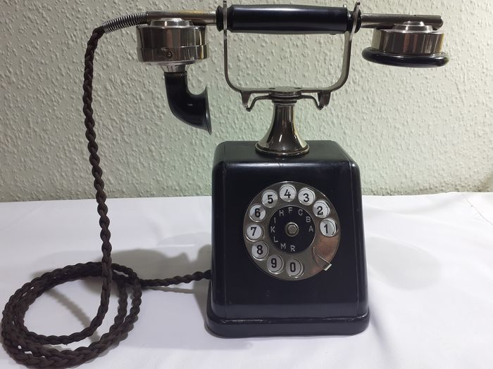 Siemens  & Halske - ZBSA 19 - Telephone, 1920s - Bakelite, Iron (cast/wrought), chrome