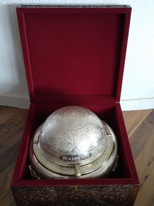 "Representative, luxurious large caviar bowl ""Ramsar"" in original wooden box - Silvered metal / wood"