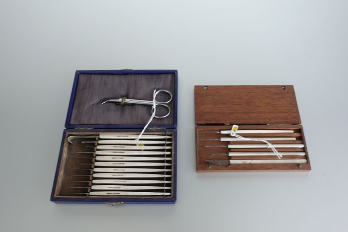 Surgeon's instruments (2) - Metal, bone and wood - 19th century