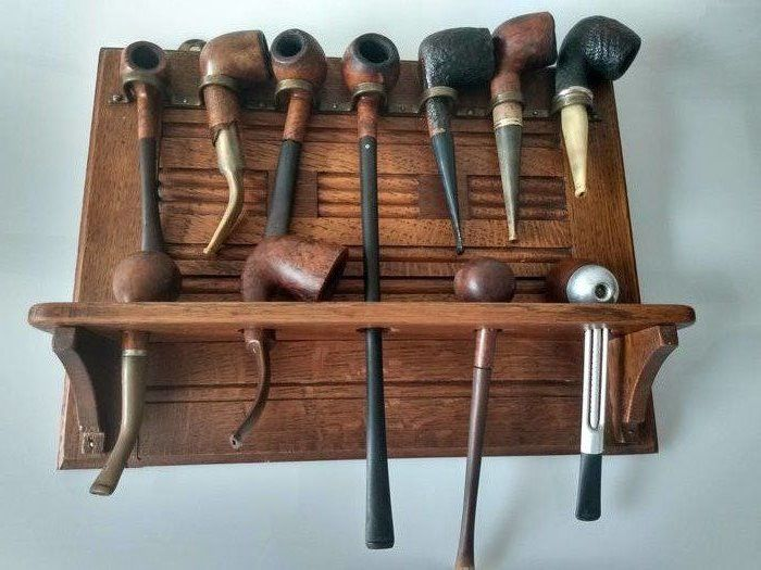 Makkum - Art Deco pipe rack with 11 pipes