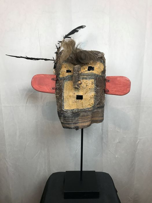 Kachina mask in scales and corn skin - Leather - Hopi-style