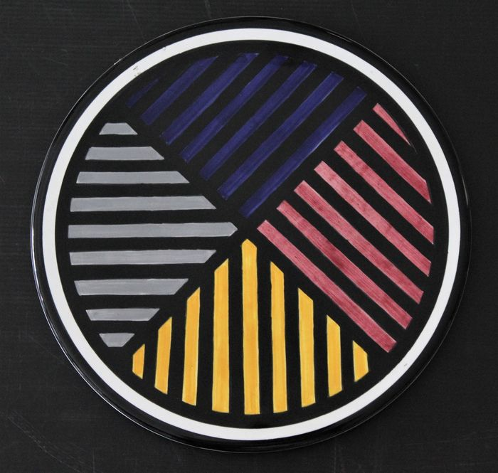 Sol Lewitt - Four colors in the round