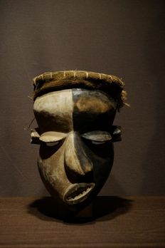 Sickness Mask - Raphia, Wood - Provenance Patrick Dierickx - Pende - West Africa