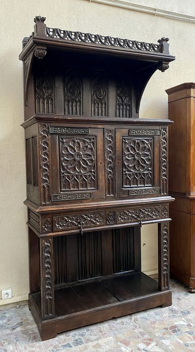 Important neo gothic cabinet - Oak - First half 19th century