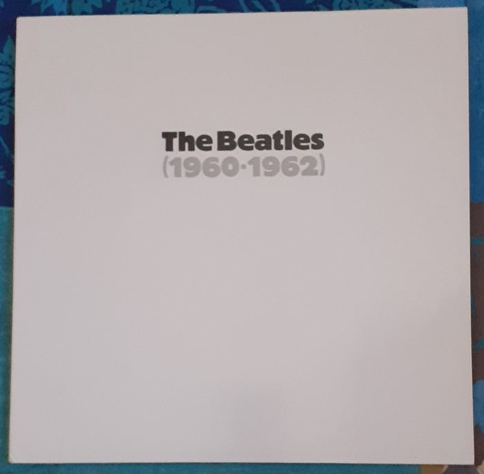 Beatles - 2 LP Albums , 1 Picture Disk and 1 Cassette - Cassette, LP Album, Picture disk limited edition - 1985/1991